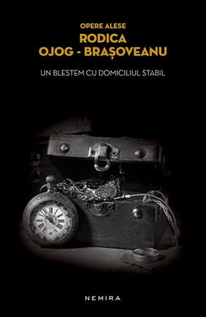 Un blestem cu domiciliul stabil (paperback)