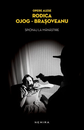 Spionaj la manastire (paperback)