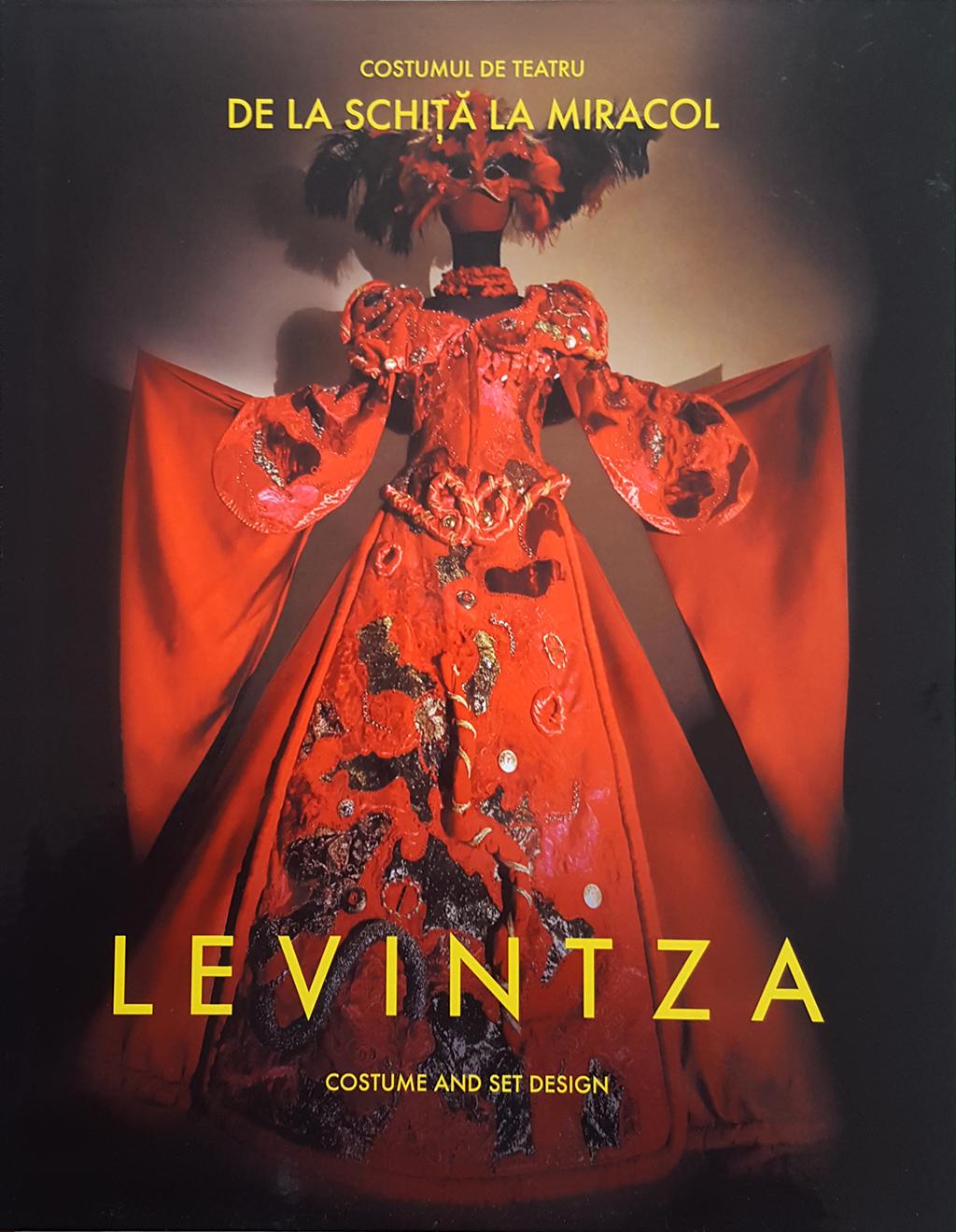 Costumul De Teatru - De La Schita La Miracol